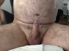 Standing hand job whit nice cumload.